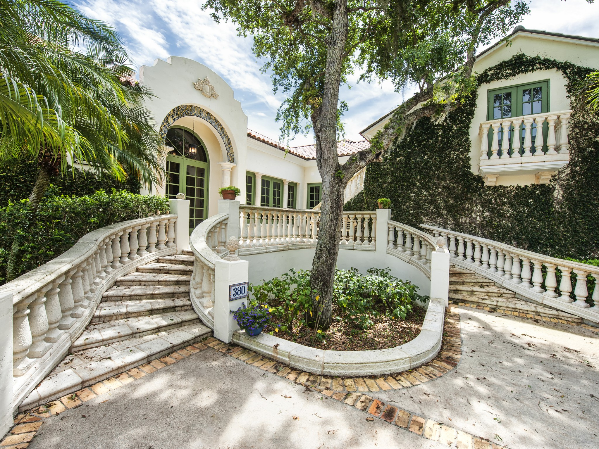 Single Family Home for Sale at Gorgeous Lakefront Pool home 380 Shores Dr Vero Beach, Florida 32963 United States