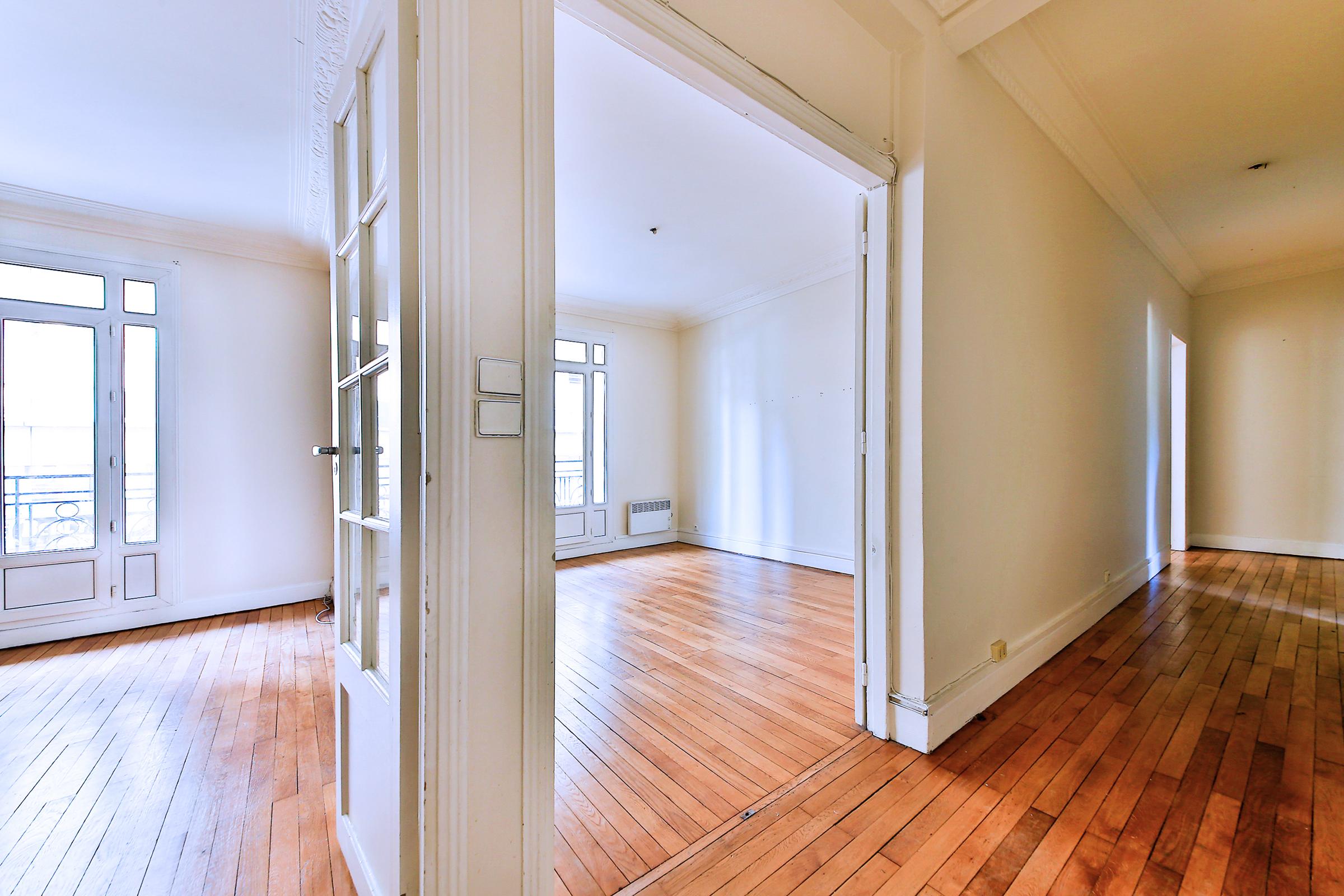 アパート のために 売買 アット Apartment - Cour Saint Emilion Paris, パリ 75012 フランス