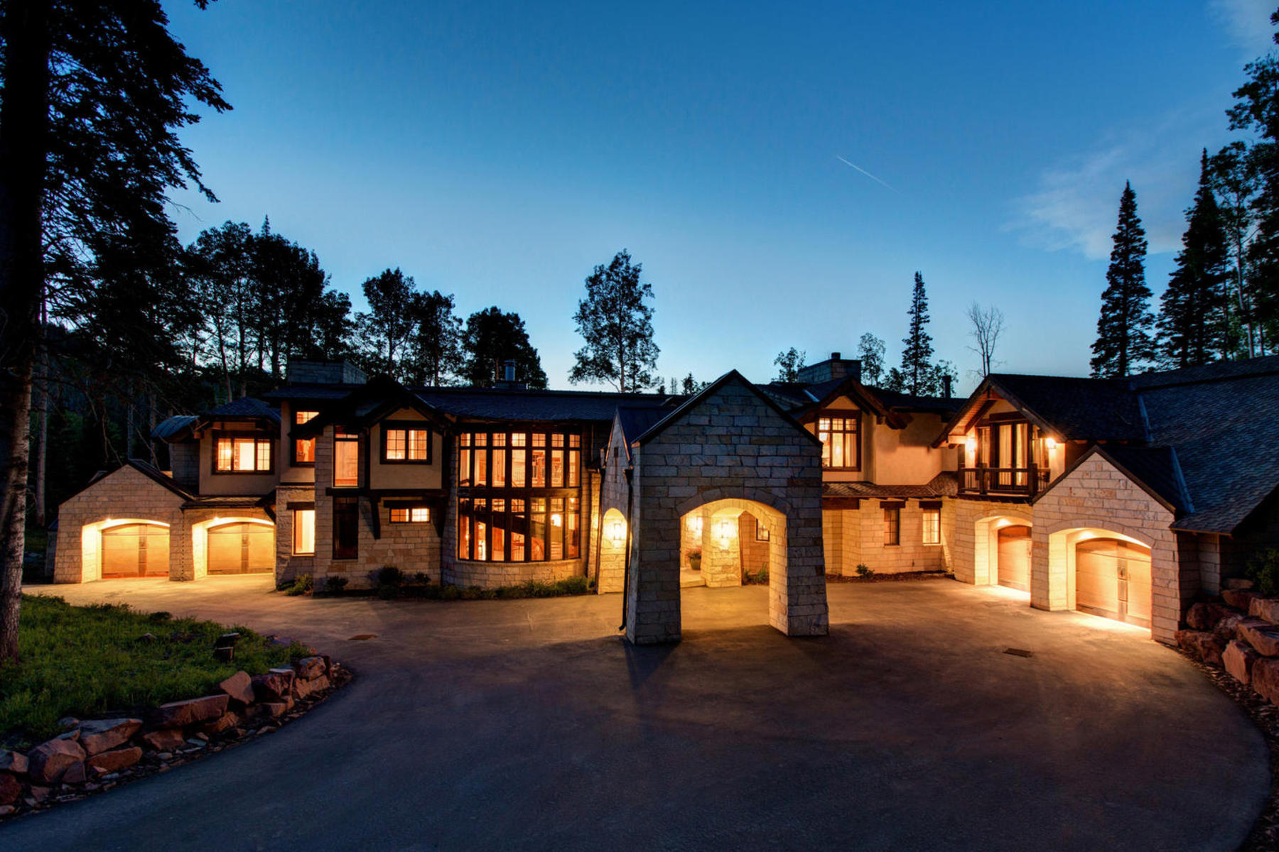 단독 가정 주택 용 매매 에 Unique Privacy and Seclusion with Unparalleled Ski Access 98 White Pine Canyon Rd Park City, 유타 84098 미국