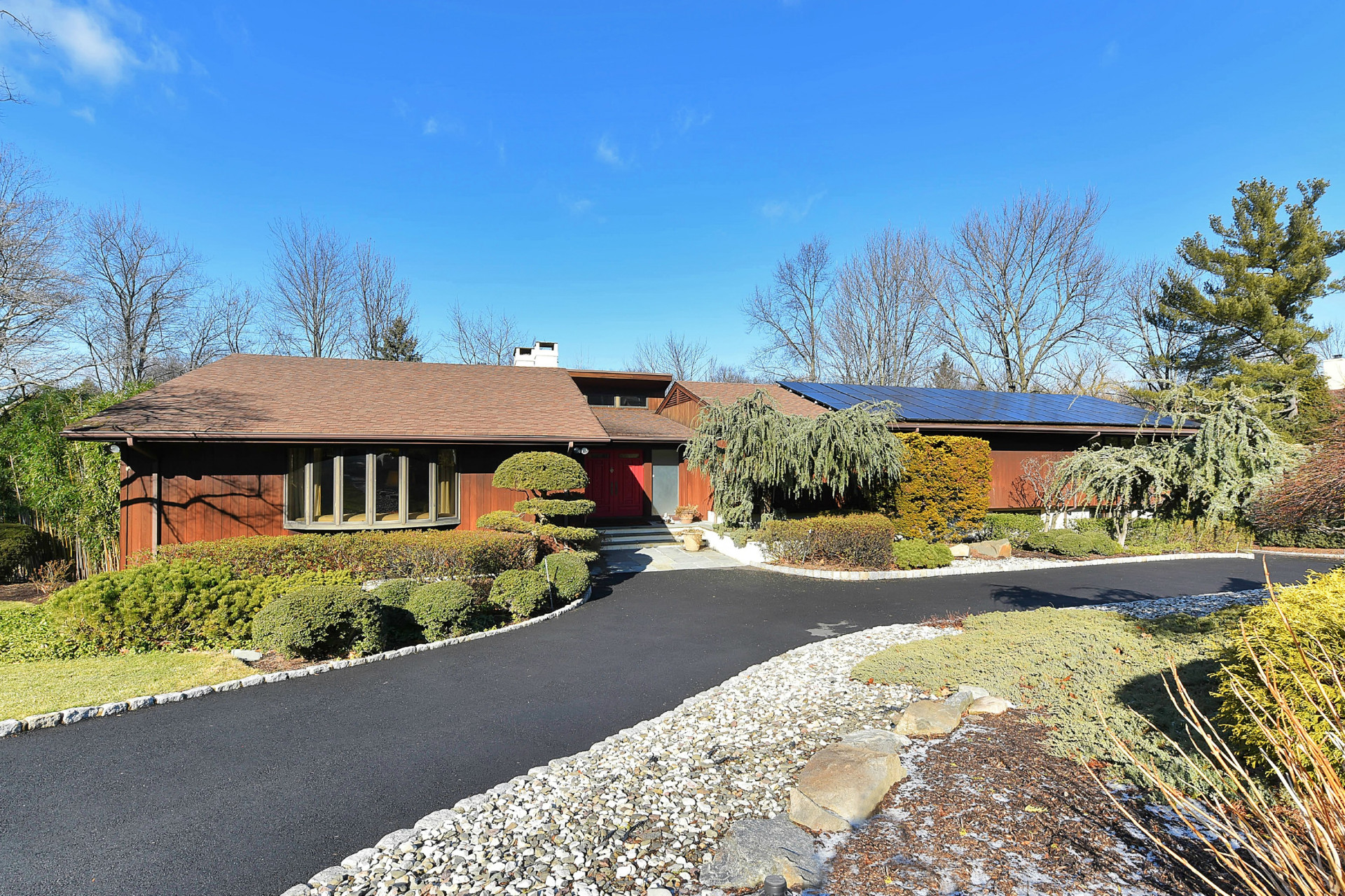 Maison unifamiliale pour l Vente à Sprawling Contemporary 28 Sunderland Rd. Tenafly, New Jersey 07670 États-Unis