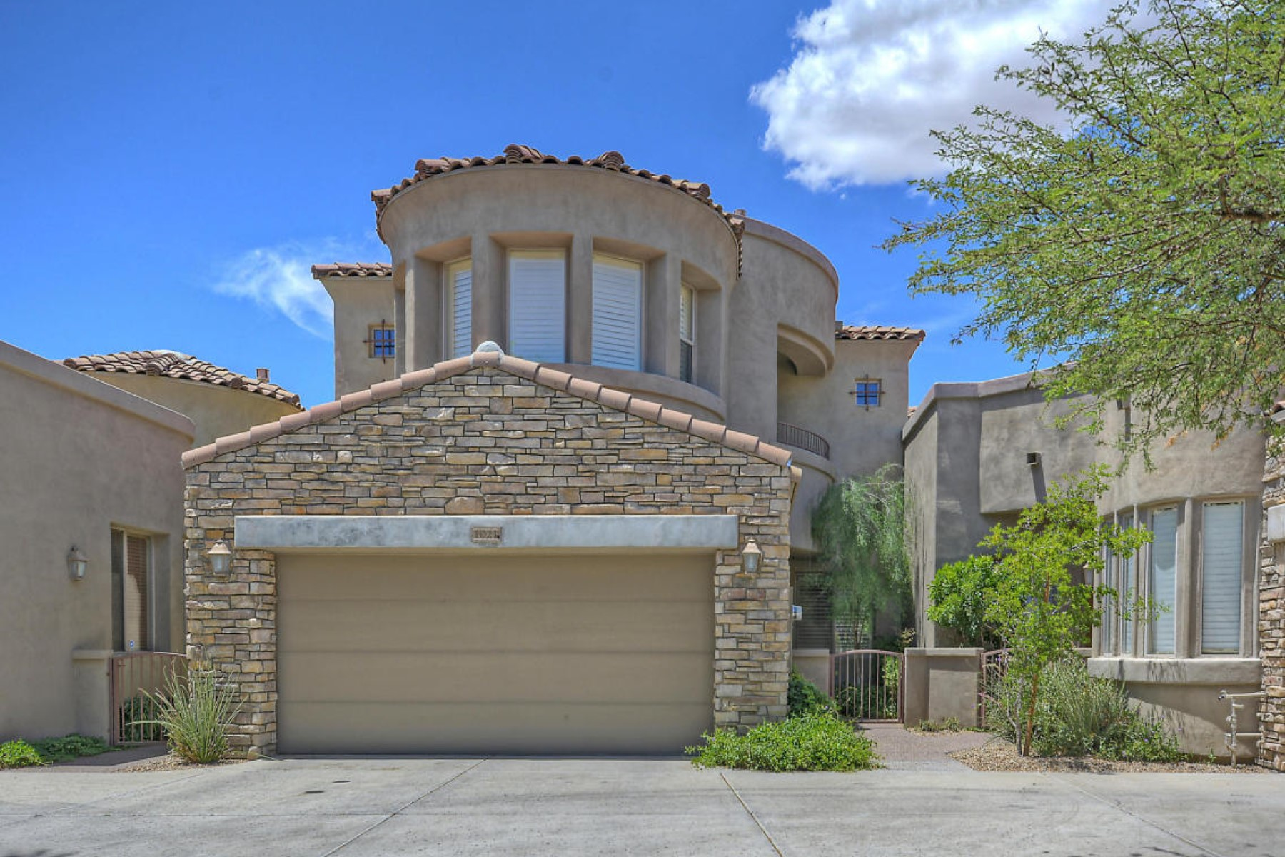 Property For Sale at Grayhawk community of Tesoro.