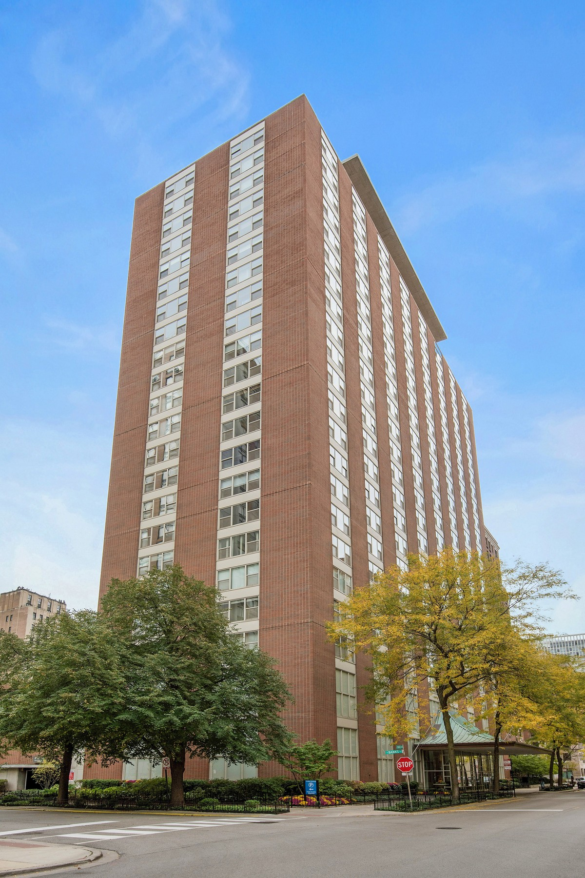 Condominium for Sale at Elegant and Sophisticated Ambassador House Unit 1325 N State Parkway Unit 14F Near North Side, Chicago, Illinois, 60610 United States