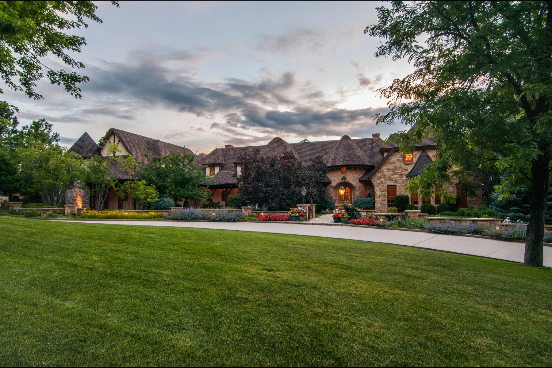 Single Family Home for Active at Old World craftsmanship and timeless design in Cherry Hills Village 4603 S. Denice Drive Cherry Hills Village, Colorado 80113 United States