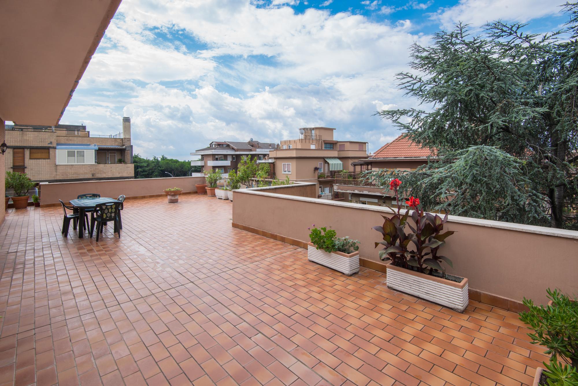 아파트 용 매매 에 Penthouse with terrace, in the Aurelio neighborhood, near the Vatican Via Nicola Coviello Rome, 로마 00165 이탈리아