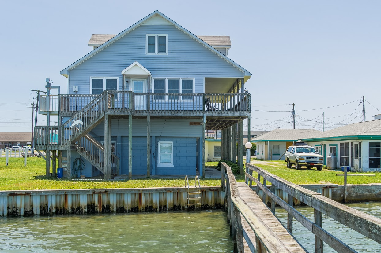 Single Family Home for Sale at Waterfront Haven 708-B Channel Blvd Topsail Beach, North Carolina, 28445 United States