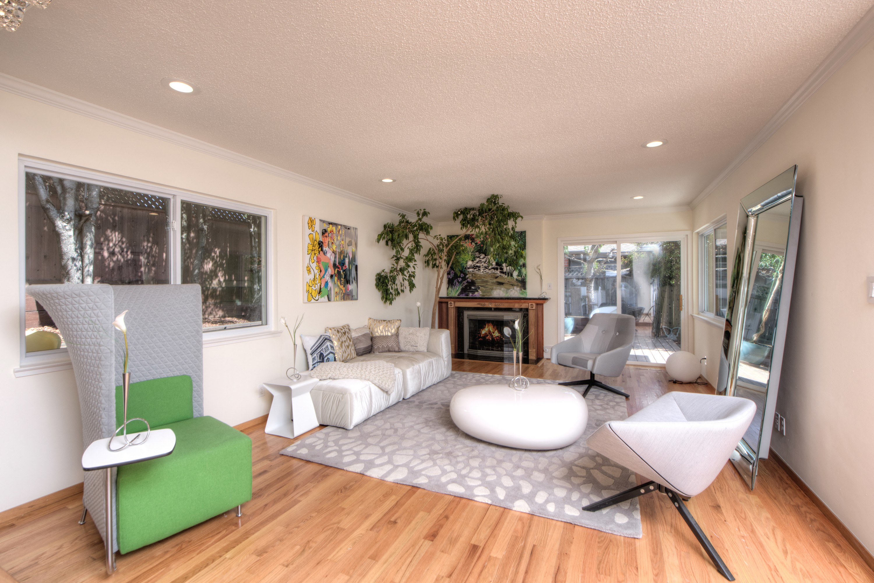 sales property at Tiburon Contemporary Near the Bay