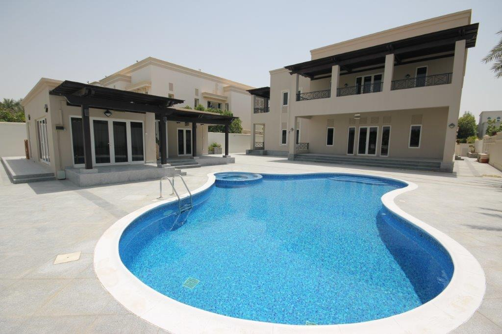 Multi-Family Home for Sale at Golf View Emirates Hills, Dubai, United Arab Emirates