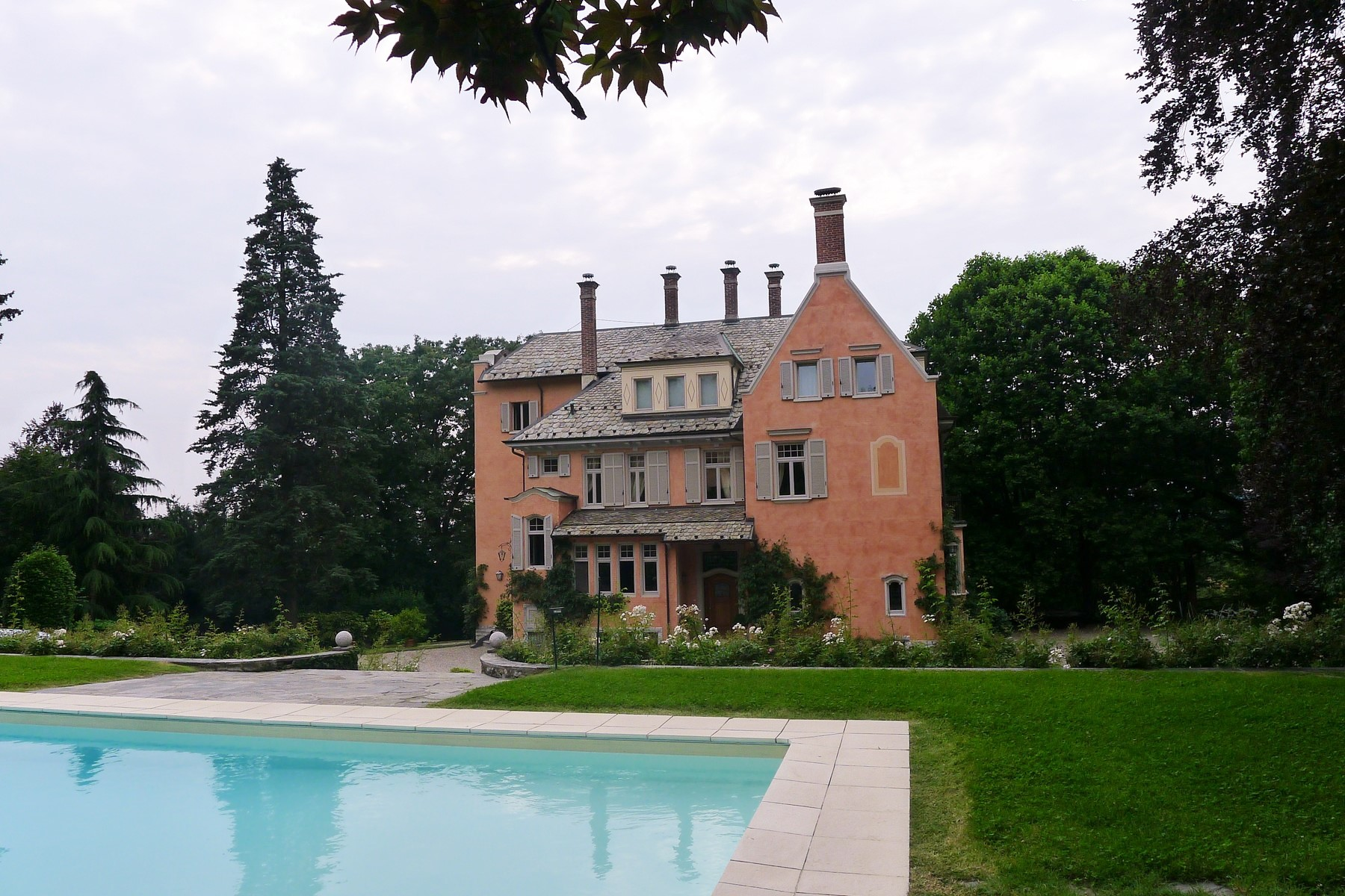 sales property at An exquisite villa on the ourskirts of of Varese