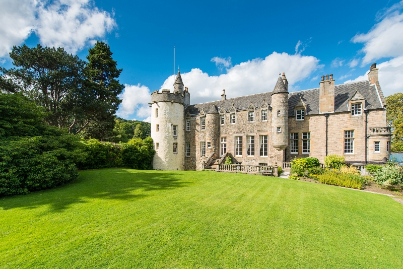 独户住宅 为 销售 在 Craigcrook Castle Craigcrook Castle Craigcrook Road Edinburgh, Scotland EH43PE 英国