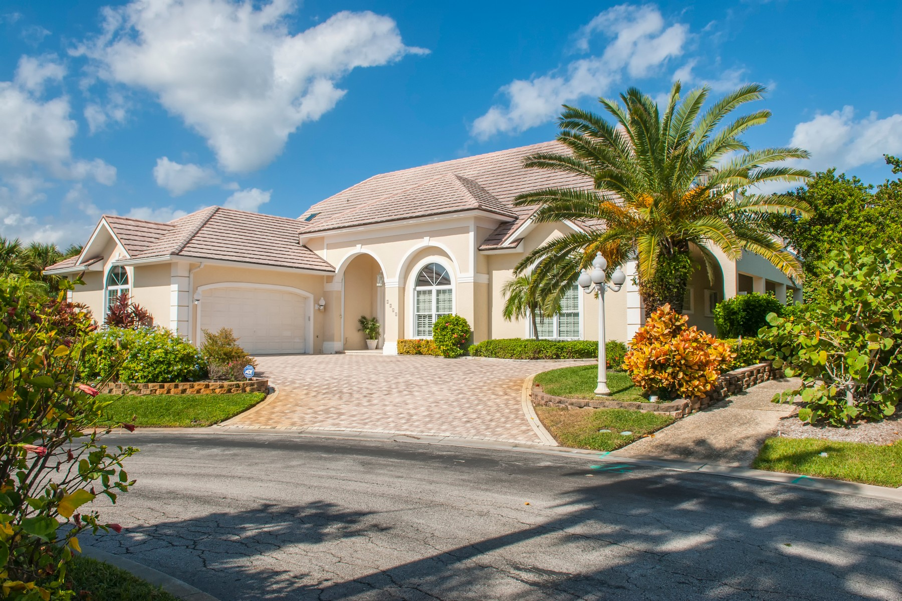 sales property at Beachside Custom home