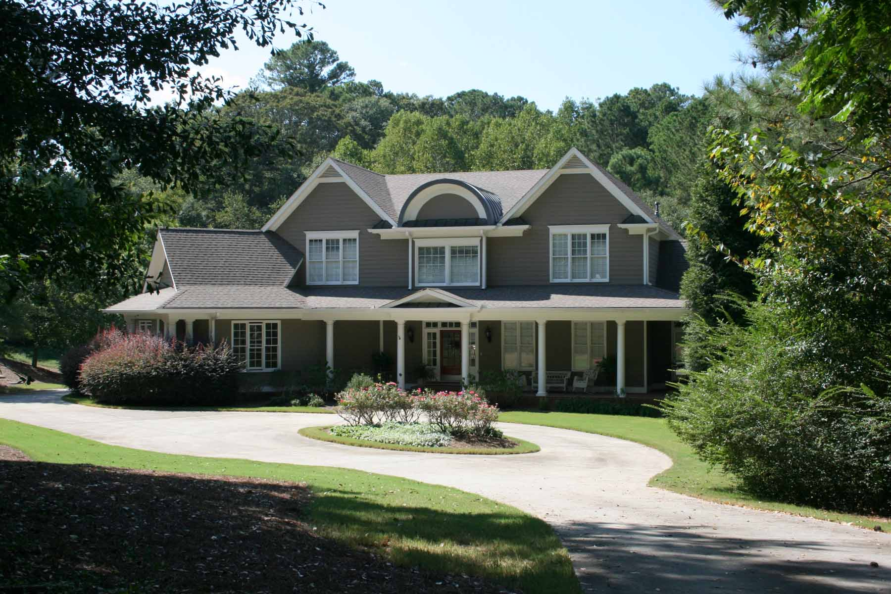 Single Family Home for Sale at Horse Farm Potential in Wonderful Milton 15330 Hopewell Road Milton, Georgia, 30004 United States
