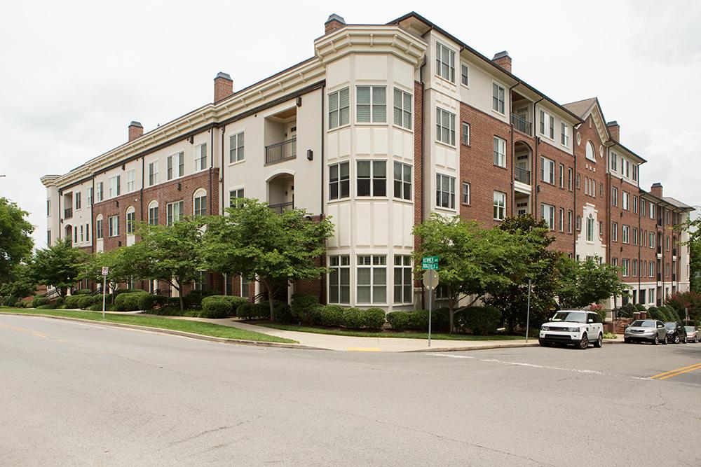 콘도미니엄 용 매매 에 Luxurious living on West End 4120 Ridgefield Drive, #507 Nashville, 테네시 37205 미국