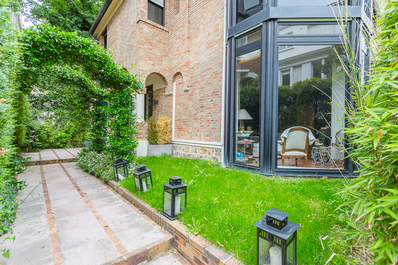 Property For Sale at Hotel Particulier - Villa Madrid