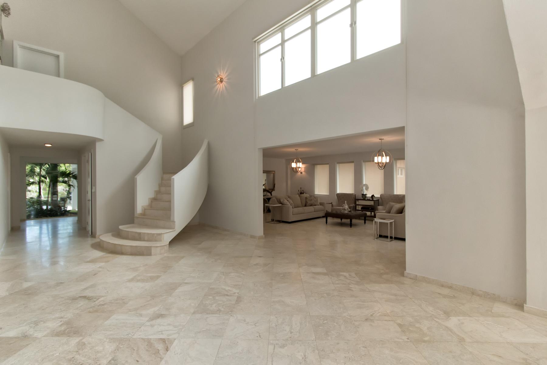 Additional photo for property listing at Gut Renovated Dorado Beach Five Bedroom 107 Dorado Beach East Dorado, Puerto Rico 00646 Puerto Rico