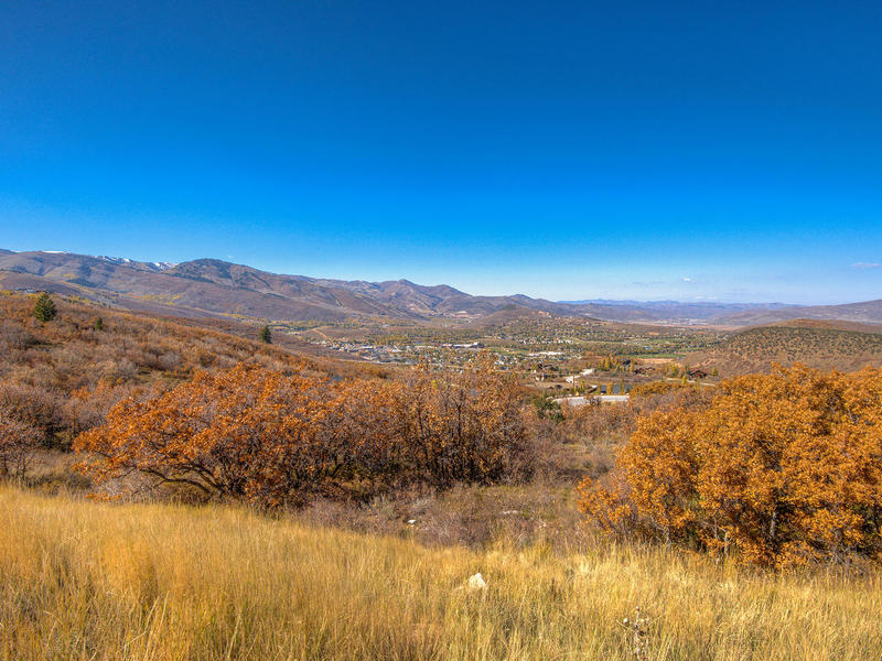 土地 为 销售 在 Estate Lot - Great Views 3635 Sun Ridge Dr Park City, 犹他州 84060 美国