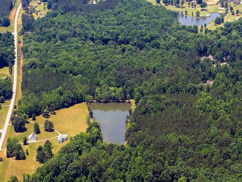 农场 / 牧场 / 种植园 为 销售 在 Incredible 77 Acre Farm With Excellent Development Potential 473 Bernhard Road Fayetteville, 乔治亚州 30215 美国