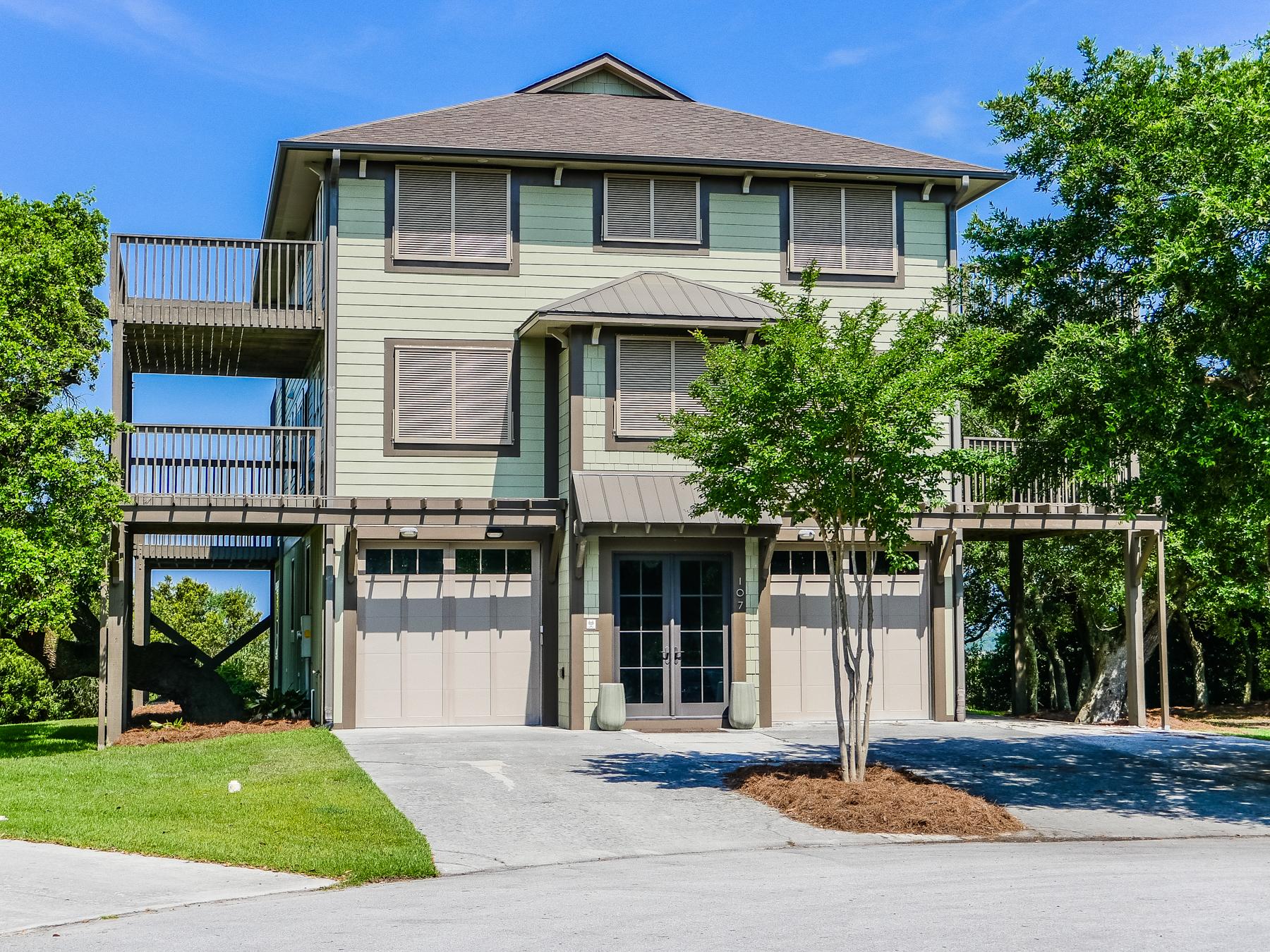 단독 가정 주택 용 매매 에 Sophisticated Style in a Harmonious Setting 107 Twilight Court Surf City, 노스캐놀라이나 28445 미국