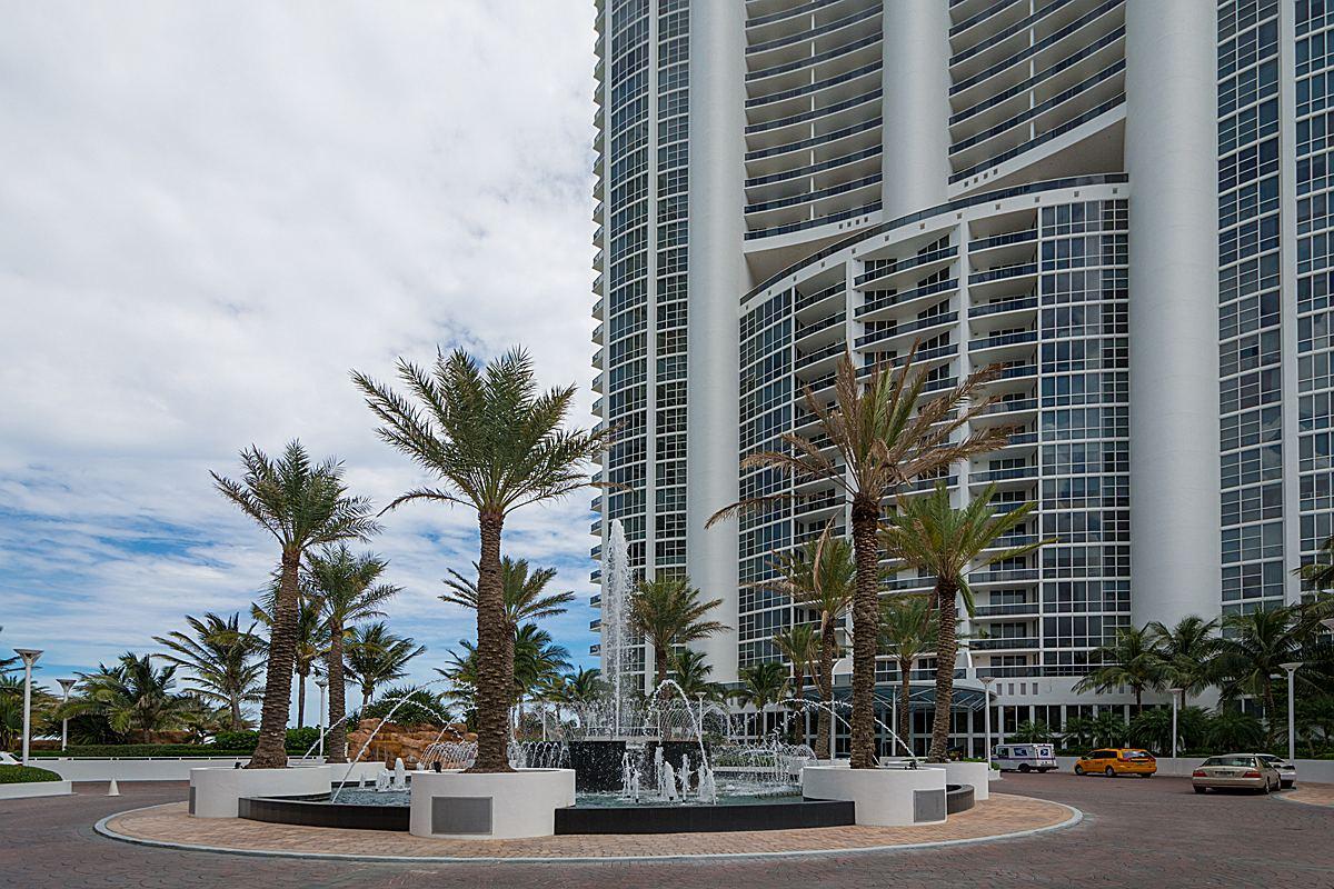 Piso por un Venta en Timeless Trump Palace unit 3309 18101 Collins Ave Unit 3309 Sunny Isles Beach, Florida 33160 Estados Unidos