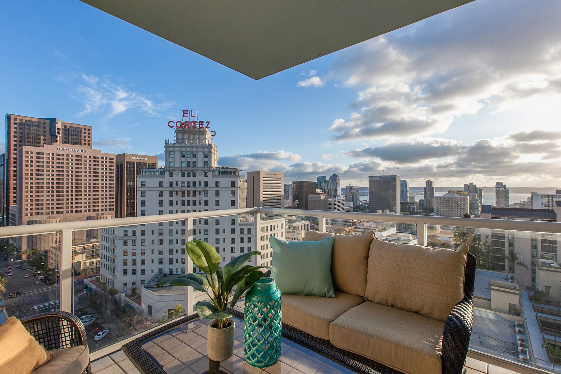 Condominium for Sale at Discovery 850 Beech Street 1505 San Diego, California 92101 United States