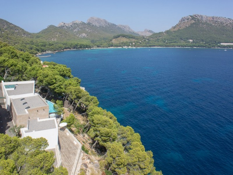 Property Of Villa with 6 bedrooms in Formentor