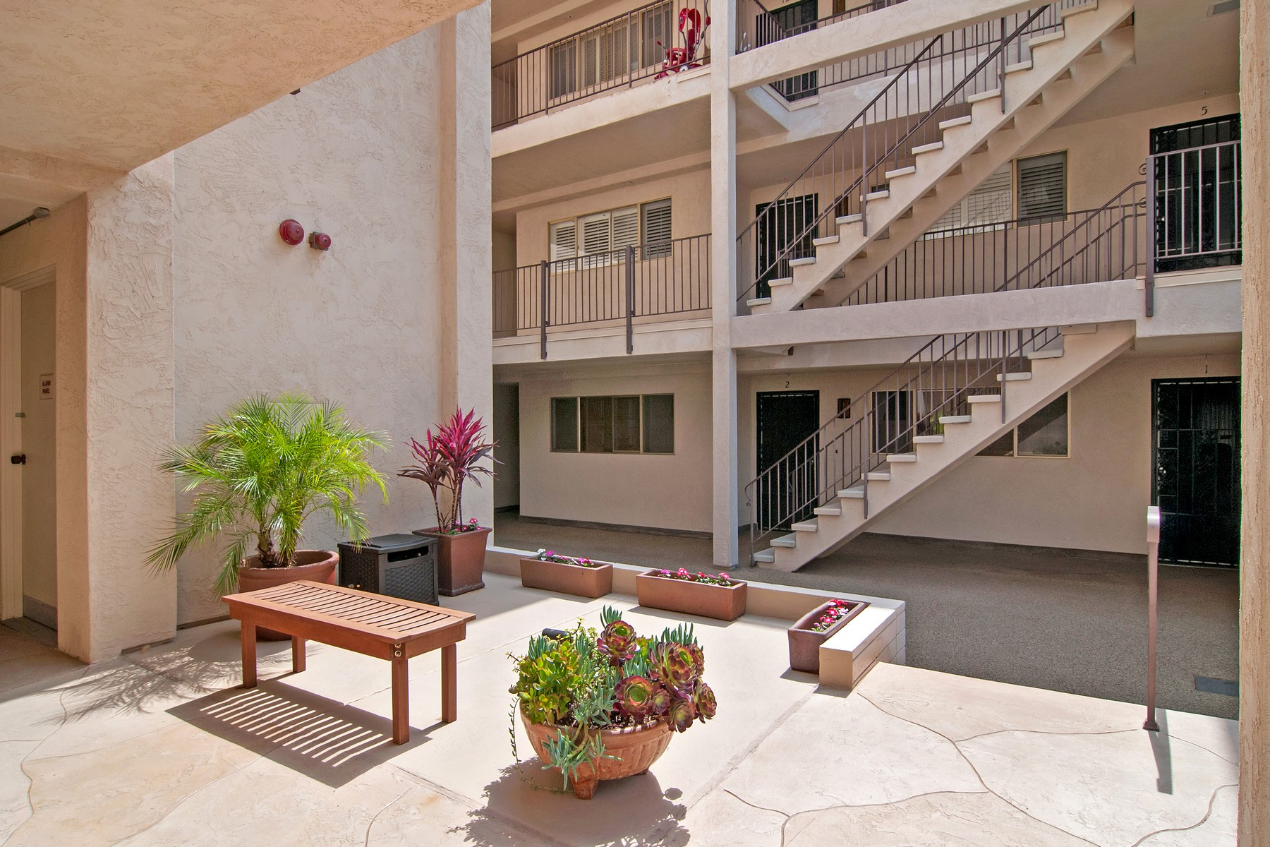 Additional photo for property listing at 390 San Antonio Avenue 390 San Antonio Avenue 15 San Diego, California 92106 United States