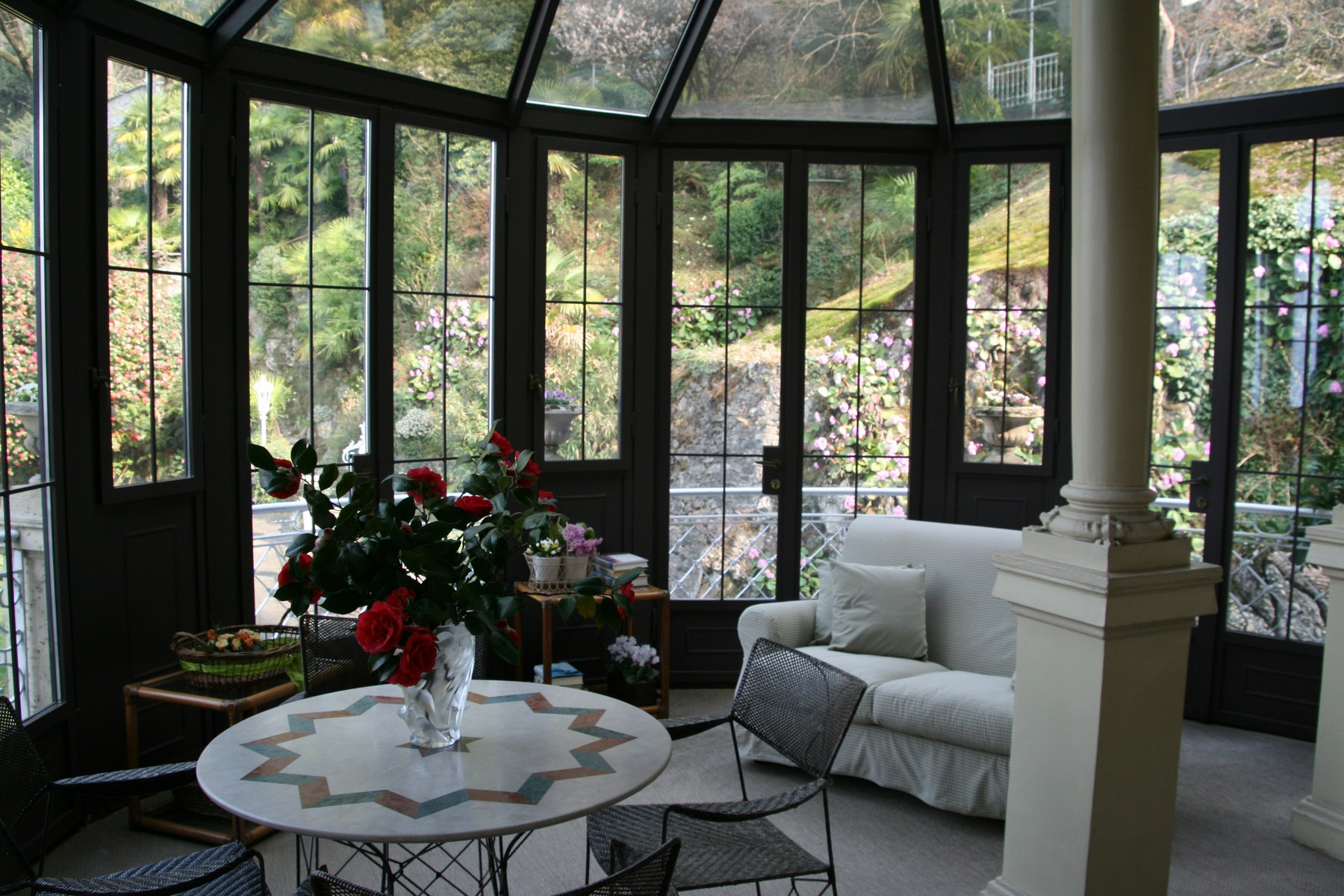 Additional photo for property listing at Majestic liberty villa on Lake Como  Como, Como 22100 Italia