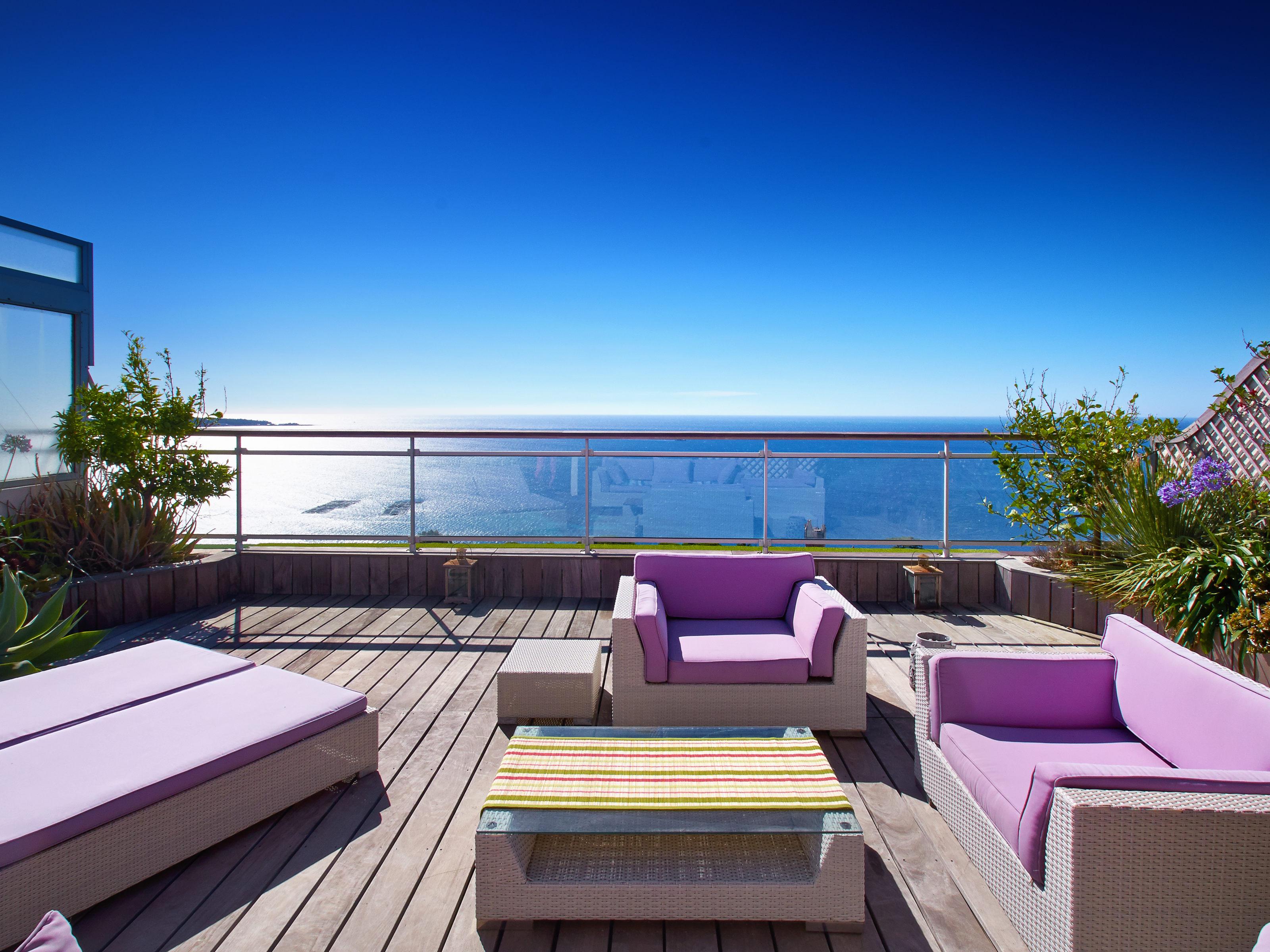 Apartamento por un Venta en Penthouse in Cannes with large terrace and panoramic sea views Cannes, Provincia - Alpes - Costa Azul 06400 Francia
