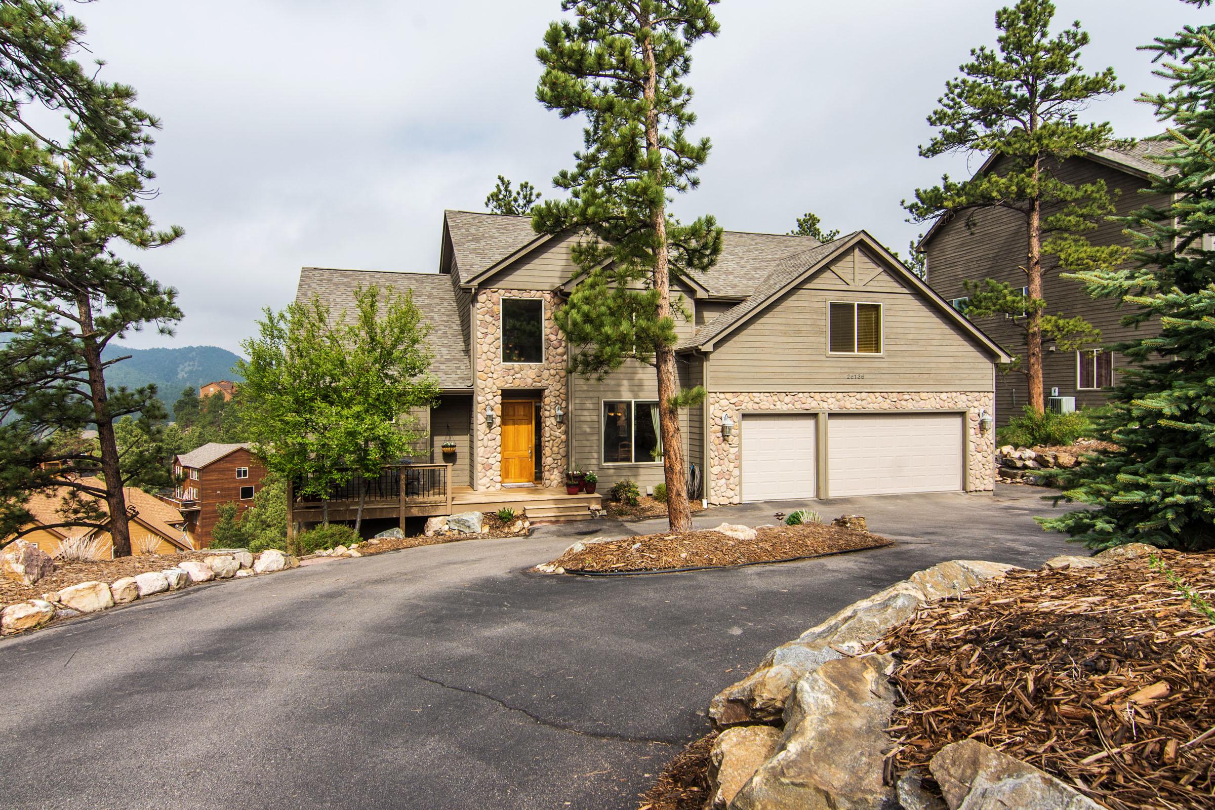 sales property at Amazing Mt Evan's Views!