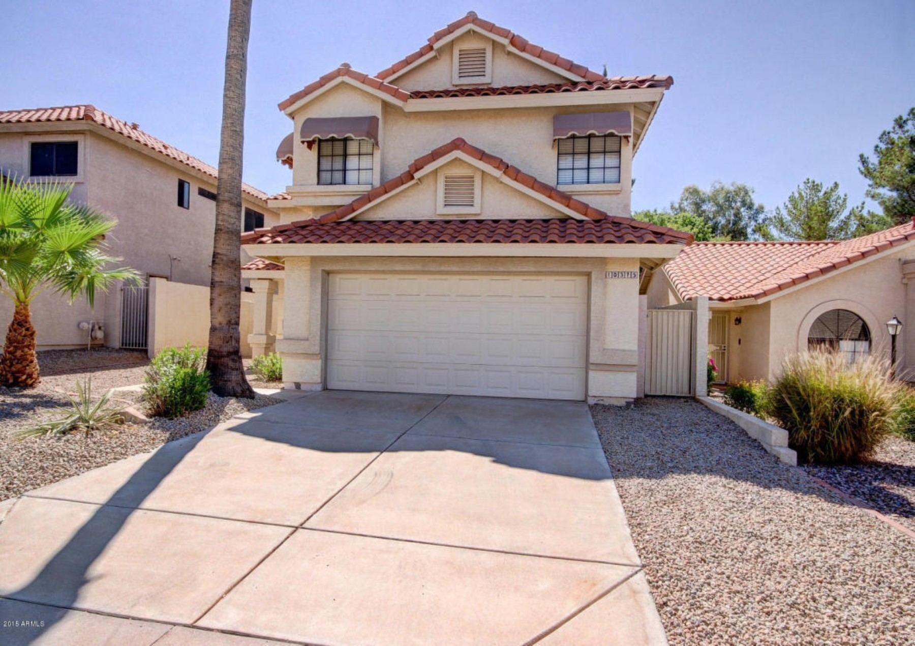 콘도미니엄 용 매매 에 Newly remodeled 4 bedroom 2.5 bathroom two story home. 10375 E Sharon Drive Scottsdale, 아리조나, 85260 미국