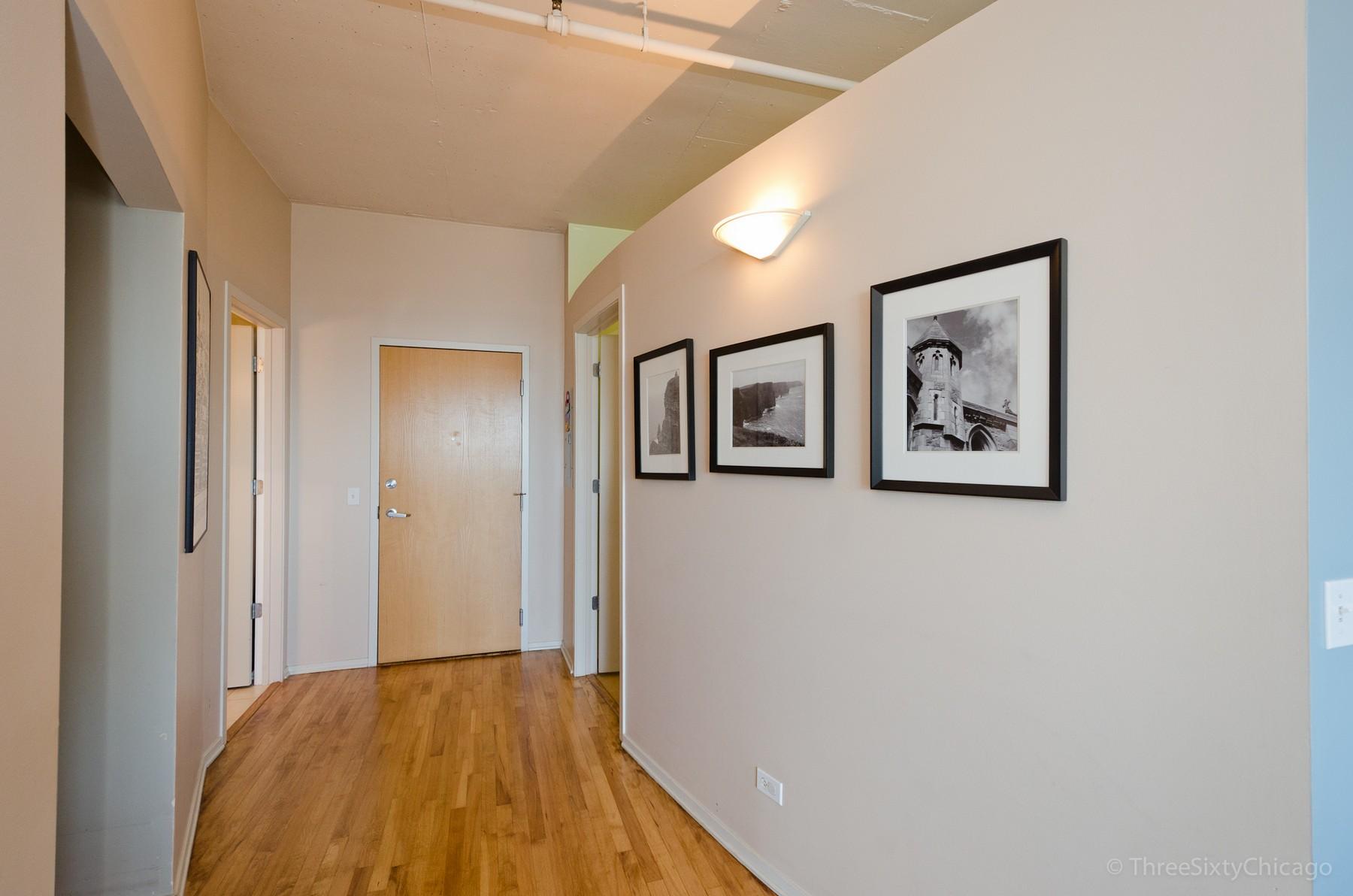 Nhà chung cư vì Bán tại Panoramic Views 1530 S State Street Unit 15O Near South Side, Chicago, Illinois, 60605 Hoa Kỳ