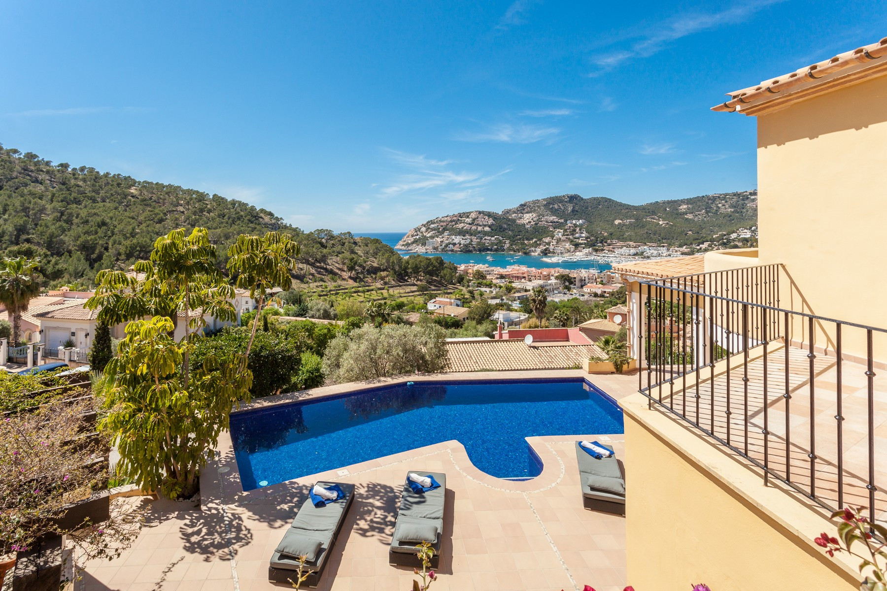 Single Family Home for Sale at Seaview villa within walking distance to the port Port Andratx, Mallorca 07157 Spain