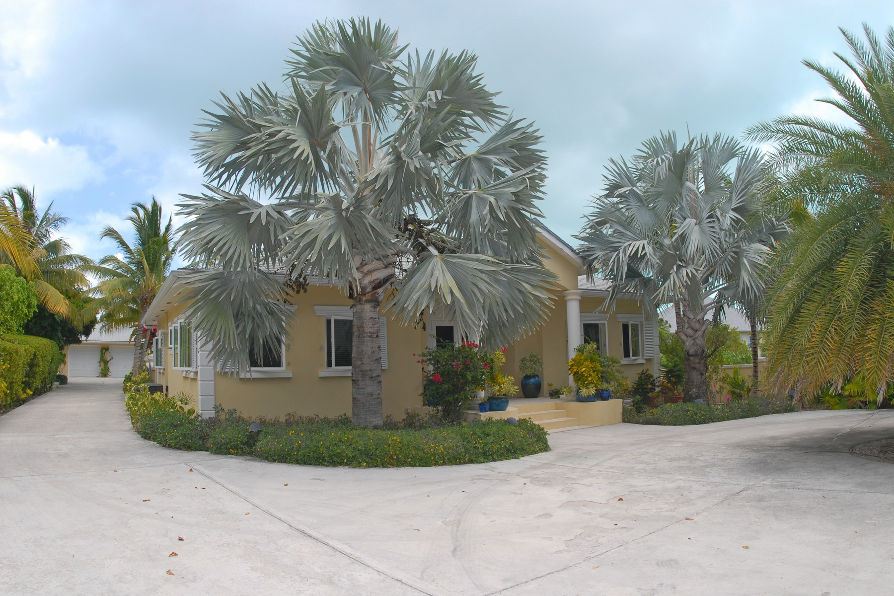 Single Family Home for Sale at 10 Seagull Alley Leeward, Providenciales Turks And Caicos Islands