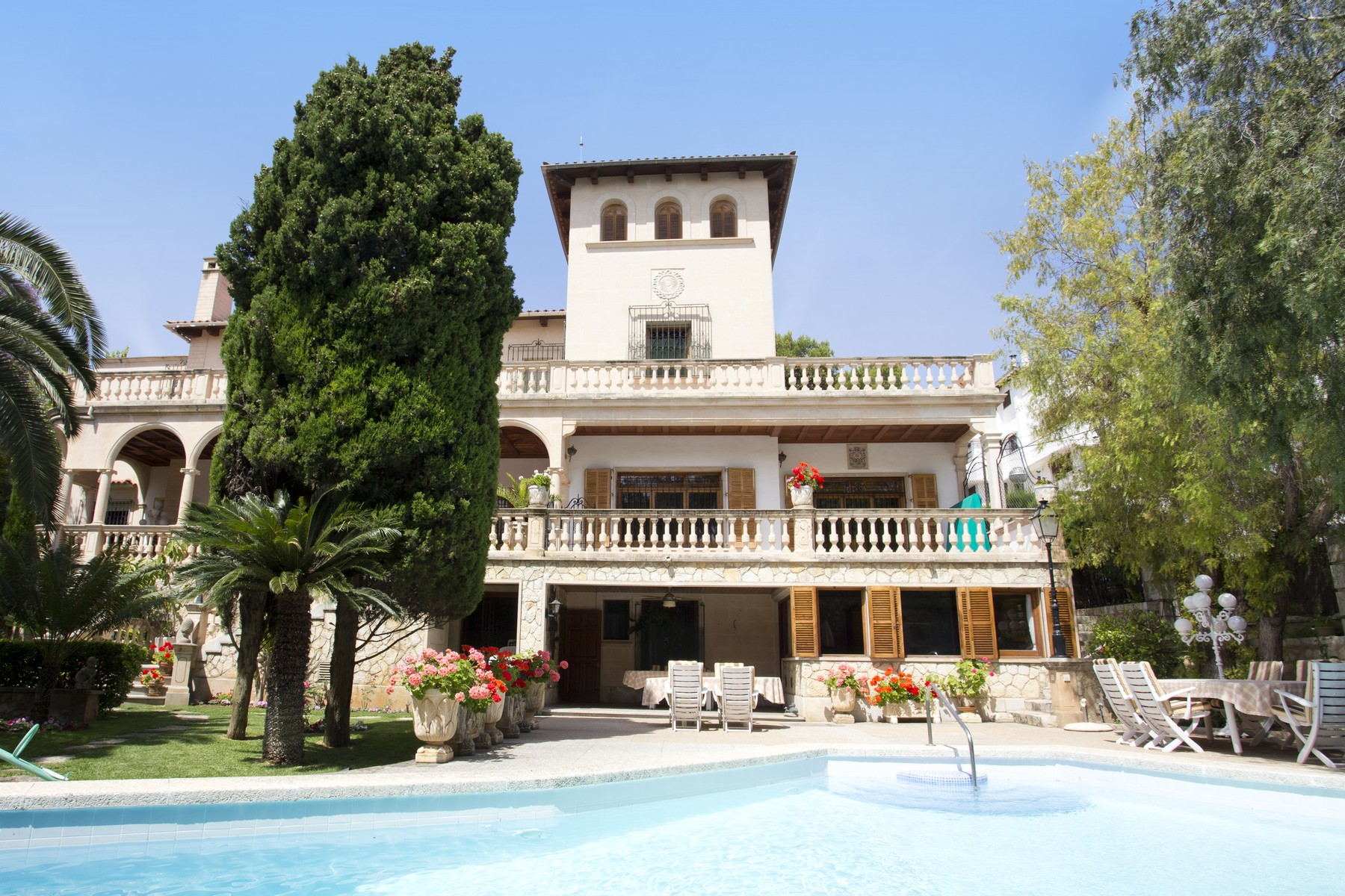 Single Family Home for Sale at Manor House in Palma Palma De Mallorca, Balearic Islands, 07001 Spain