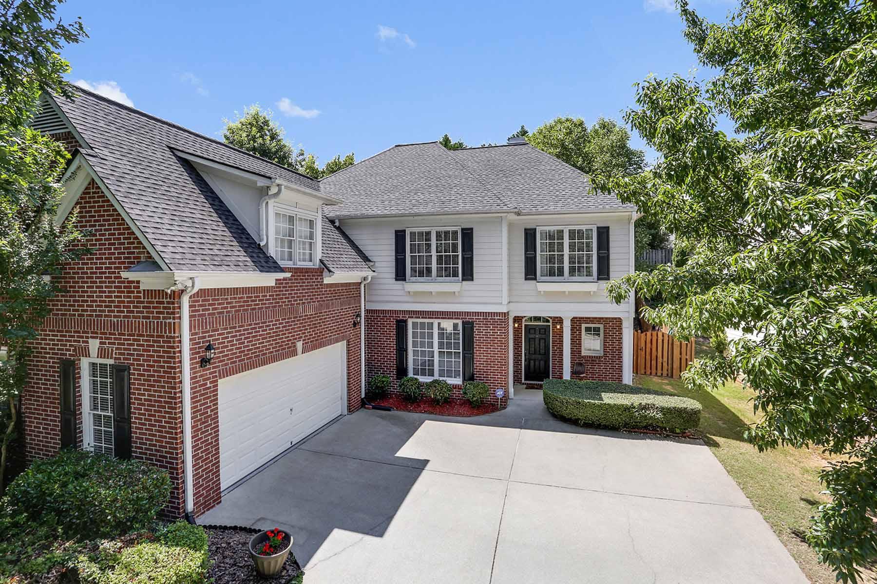 独户住宅 为 销售 在 Johns Creek 5 BR 3 BA 545 Lakehill Way Johns Creek, 乔治亚州, 30022 美国