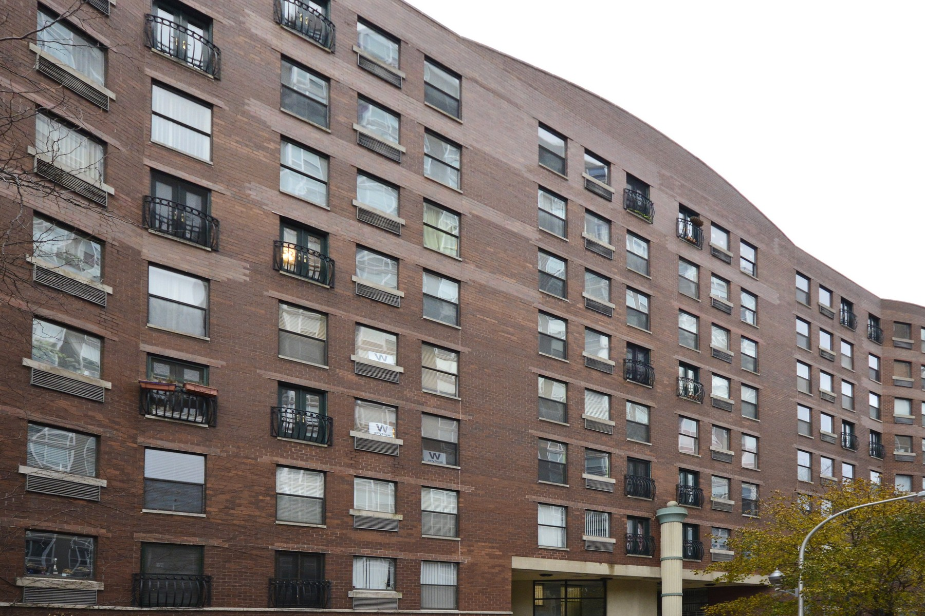 Appartement en copropriété pour l Vente à Penthouse Duplex in Buena Park! 711 W Gordon Terrace Unit 809 Chicago, Illinois, 60613 États-Unis
