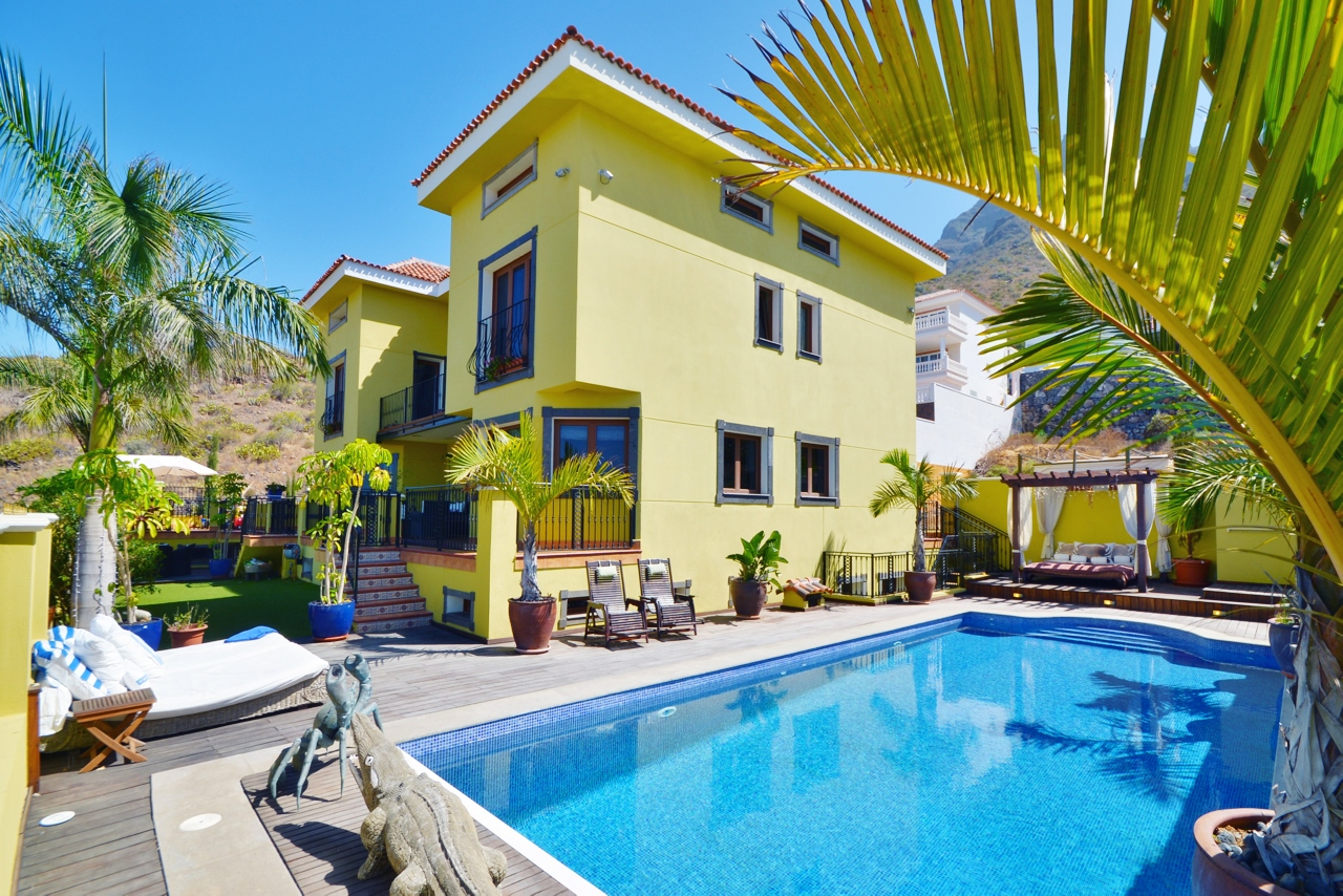 Single Family Home for Sale at Villa Roque del Conde Calle La Rioja Costa Adeje, Tenerife Canary Islands, 38660 Spain