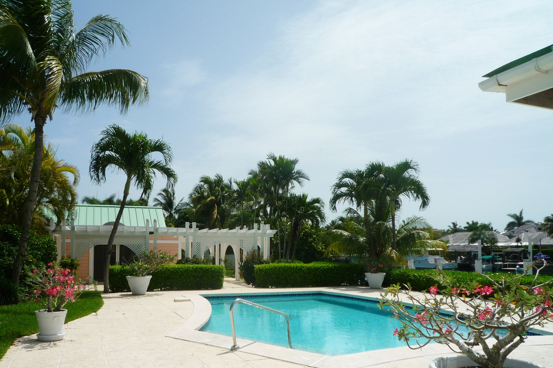 Single Family Home for Sale at Columbia Road Canal Front Home Lyford Cay, Nassau And Paradise Island Bahamas