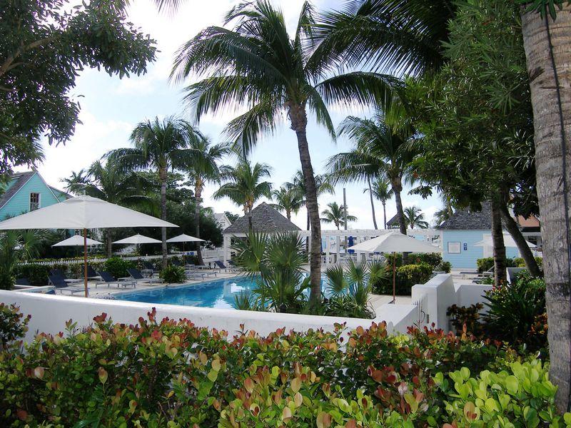 Appartement en copropriété pour l Vente à Valentines Resort 205 Exuma Harbour Island, Eleuthera, Bahamas