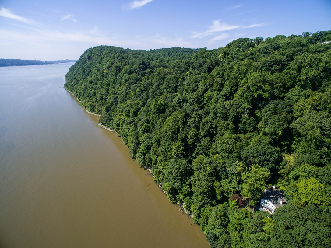 "Single Family Home for Sale at ""Cliff House"" 40 Lawrence Lane Palisades, New York 10964 United States"