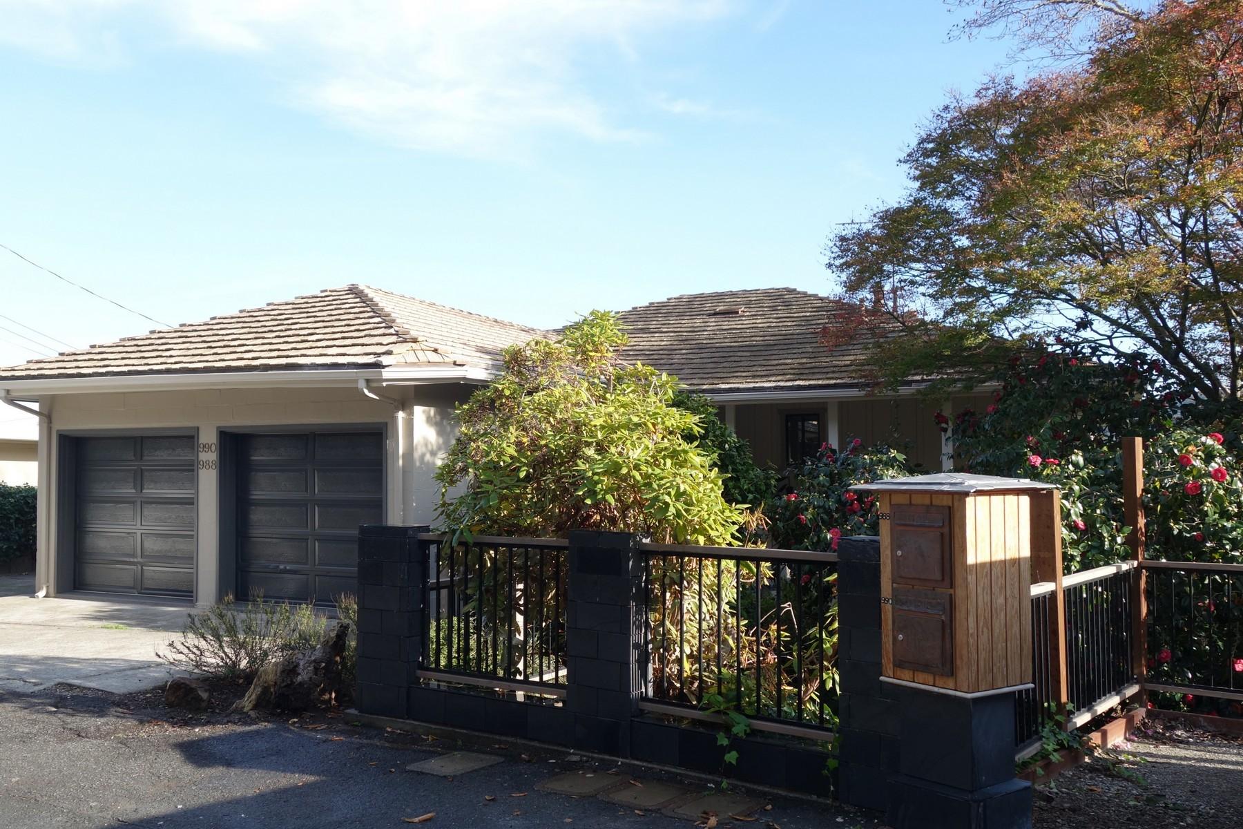 다가구 주택 용 매매 에 Turn_Key Duplex 988-990 Meadowsweet Drive Corte Madera, 캘리포니아 94925 미국