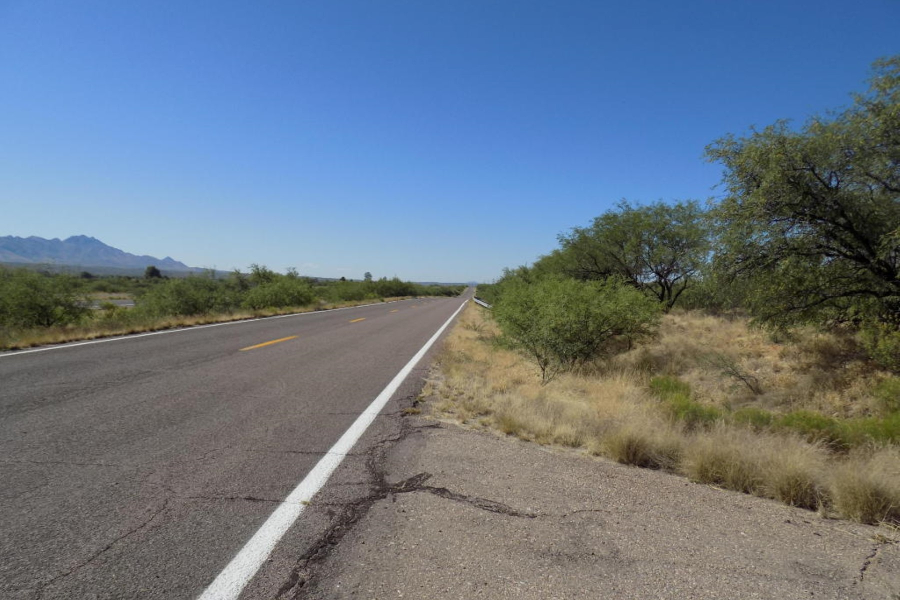 Terrain pour l Vente à Fully platted and county approved subdivision ready to go TBD W FRONTAGE Road 1-80 Tubac, Arizona, 85646 États-Unis
