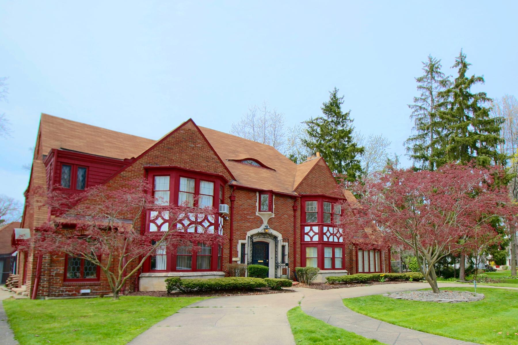 Частный односемейный дом для того Продажа на Detroit 19485 Suffolk Drive Detroit, Мичиган, 48203 Соединенные Штаты
