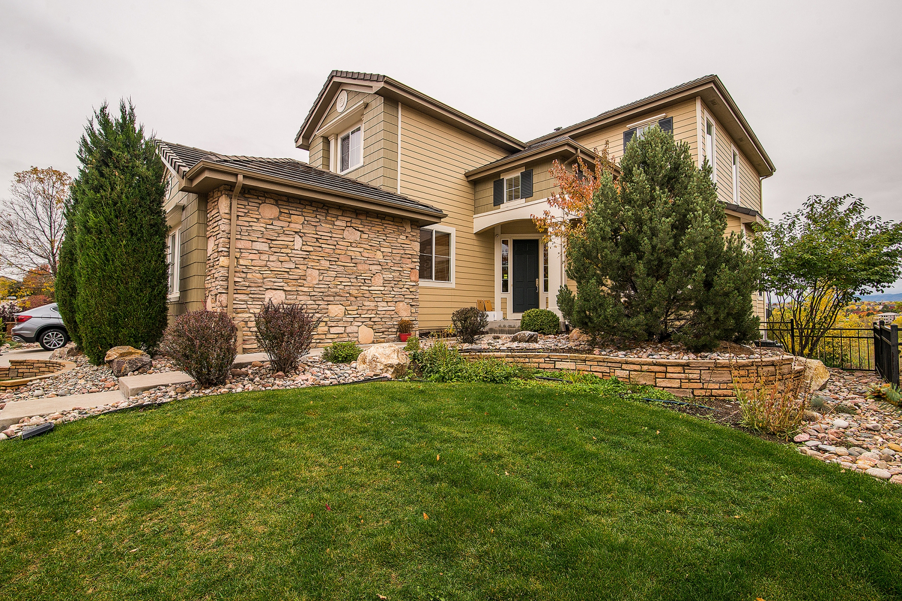 Single Family Home for Active at A remarkable find in Highlands Ranch Golf Club backting to the 12th tee 2832 Rockbridge Dr Highlands Ranch, Colorado 80129 United States
