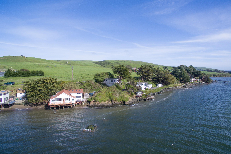 Einfamilienhaus für Verkauf beim On The Bay 22195 Highway 1 Marshall, Kalifornien, 94940 Vereinigte Staaten