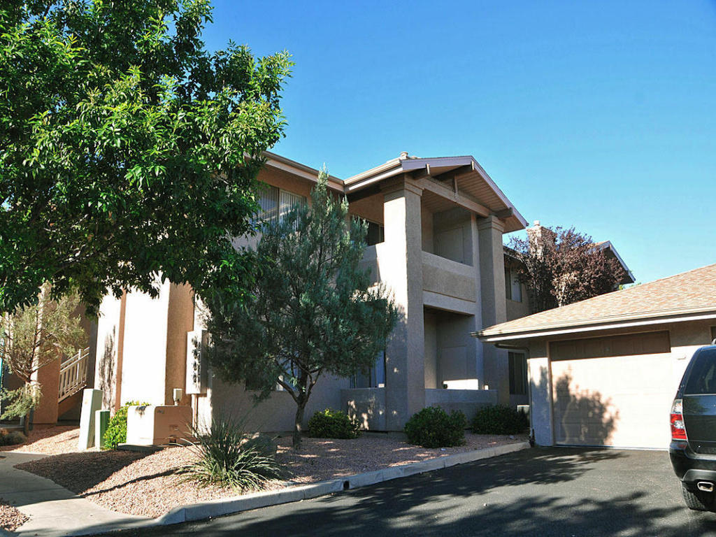 Single Family Home for Sale at Beautiful Second Floor Condo 985 E Mingus Ave Cottonwood, Arizona 86326 United States