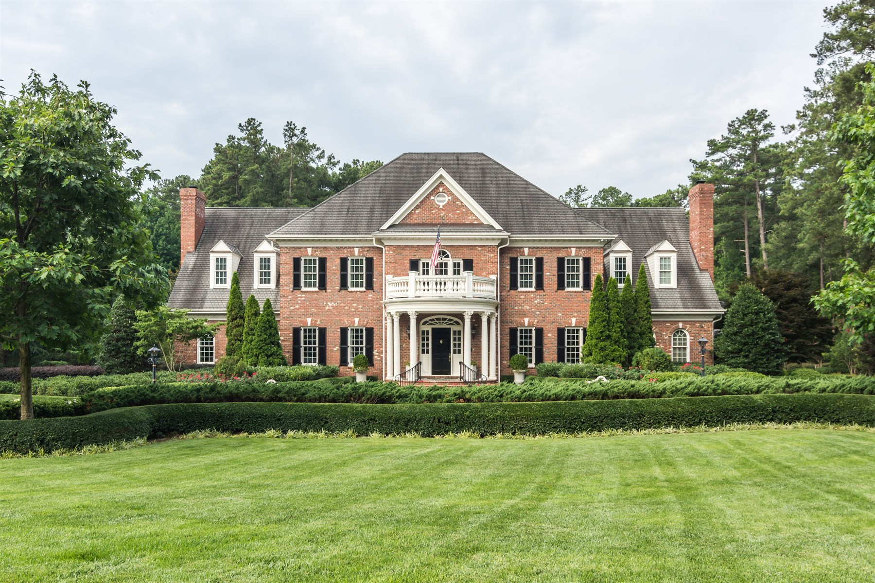 Single Family Home for Sale at MacGregor West Excecutive Estate 103 Marseille Place Cary, North Carolina 27511 United StatesIn/Around: Raleigh