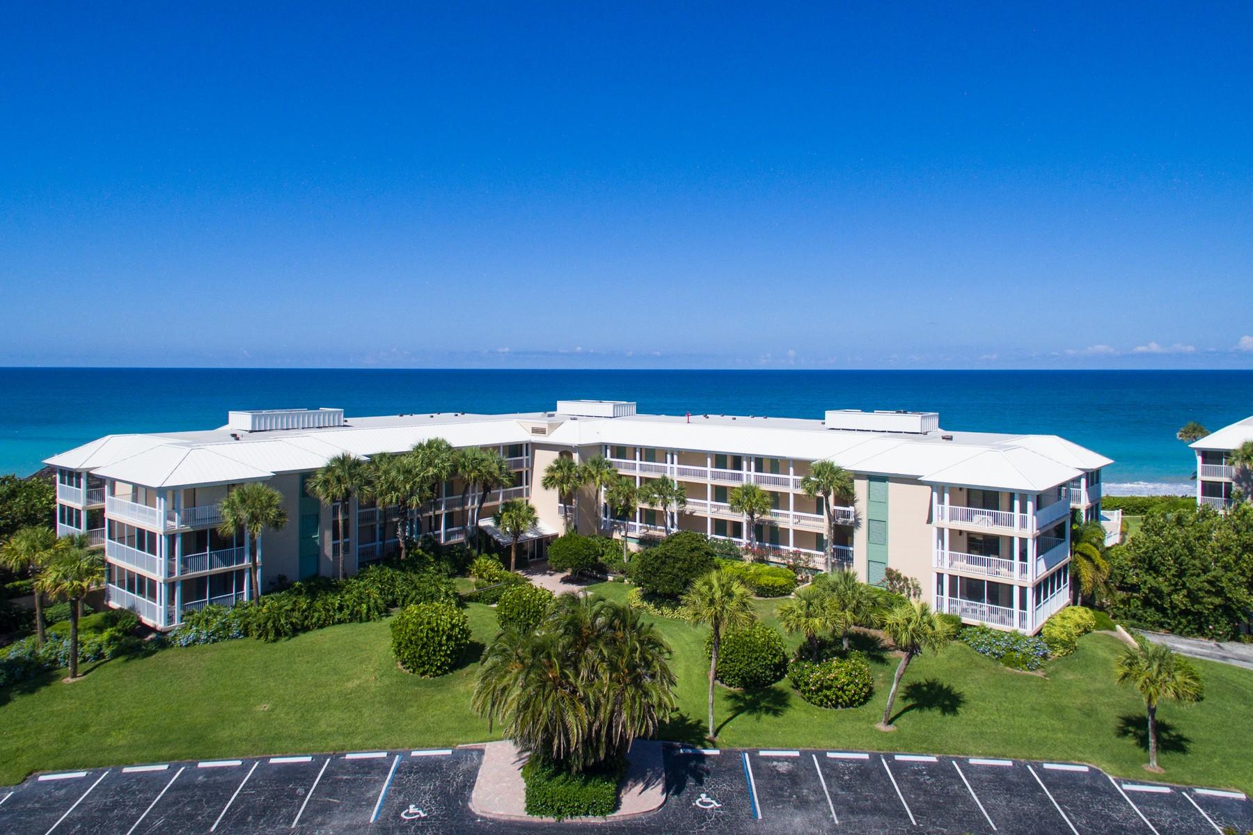 콘도미니엄 용 매매 에 Lovely Sea Oaks Oceanfront Condo 8840 S Sea Oaks Way #108B Vero Beach, 플로리다 32963 미국
