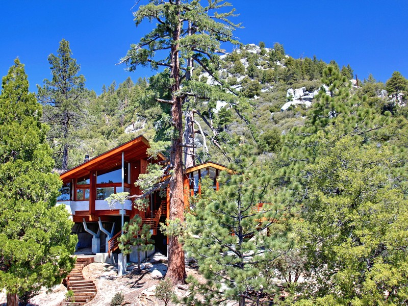 Single Family Home for Sale at Chipmunk Drive 54510 Chipmunk Drive Idyllwild, California 92549 United States