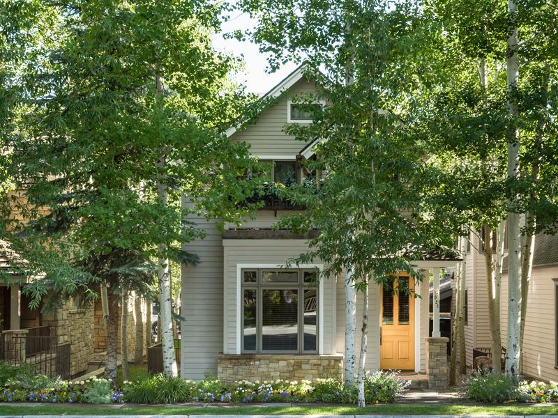 Villa per Vendita alle ore Least Expensive Home in Aspen Core 922 E Cooper Avenue Aspen, Colorado 81611 Stati Uniti