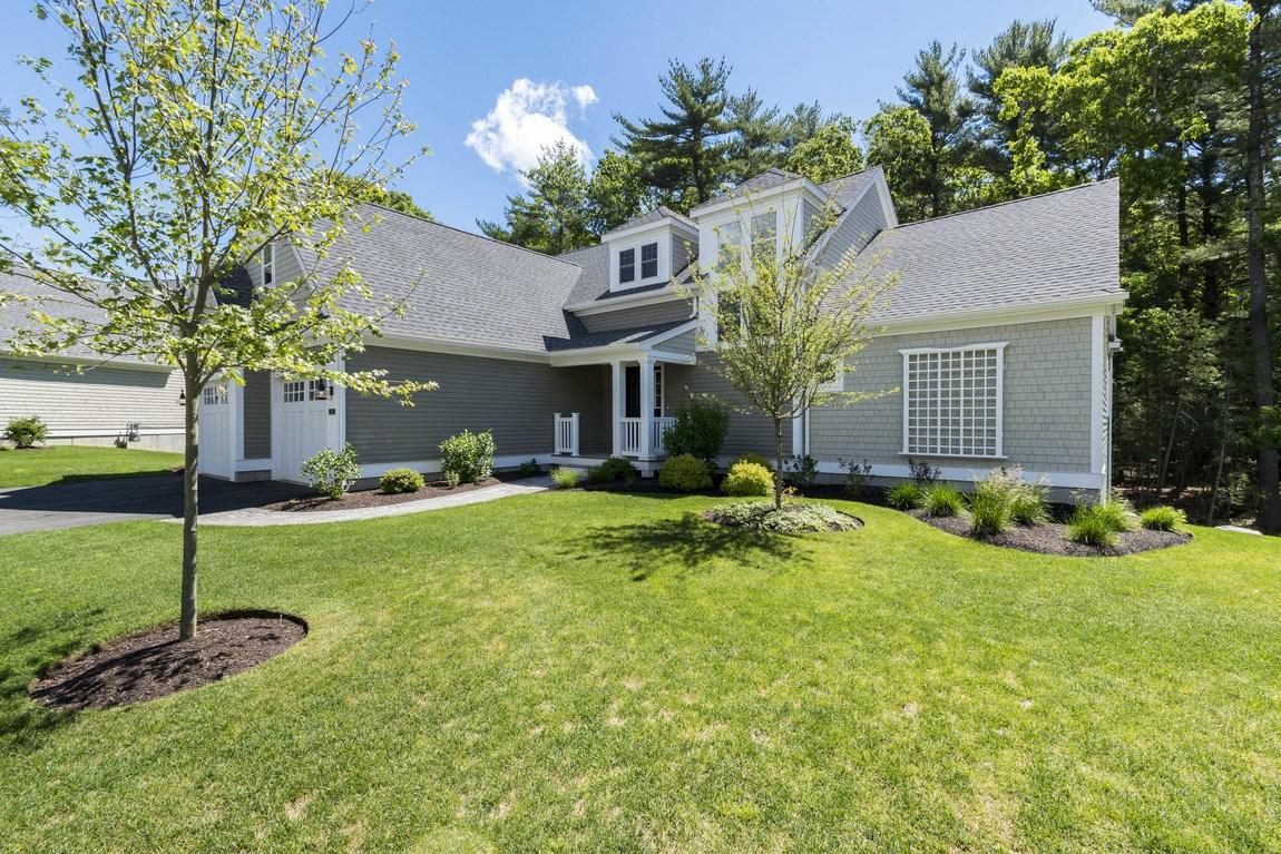 sales property at Duxbury Woods
